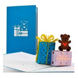 Tarjeta de cumpleaños niñas, mujeres con regalos en 3D y oso de peluche 12 x 18 cm